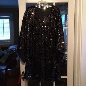 Sequins bell sleeve dress.